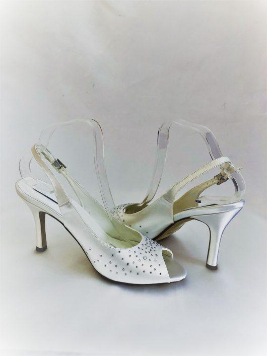 610 Snow White Satin Shoes