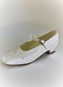 656 Children Snow White Satin Shoes