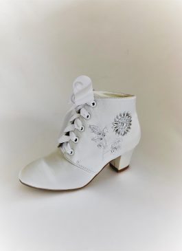655 Children Snow White Satin Boots