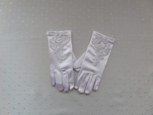 Children Satin Gloves with Embroidered Flowers
