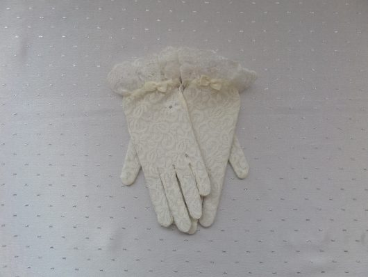 Children Lace Gloves with Bow