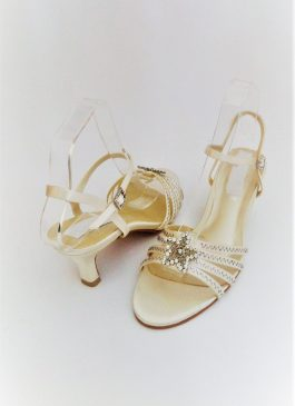 607 Winter White Sandals