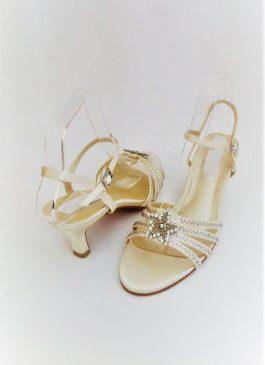 607 Winter White Sandals