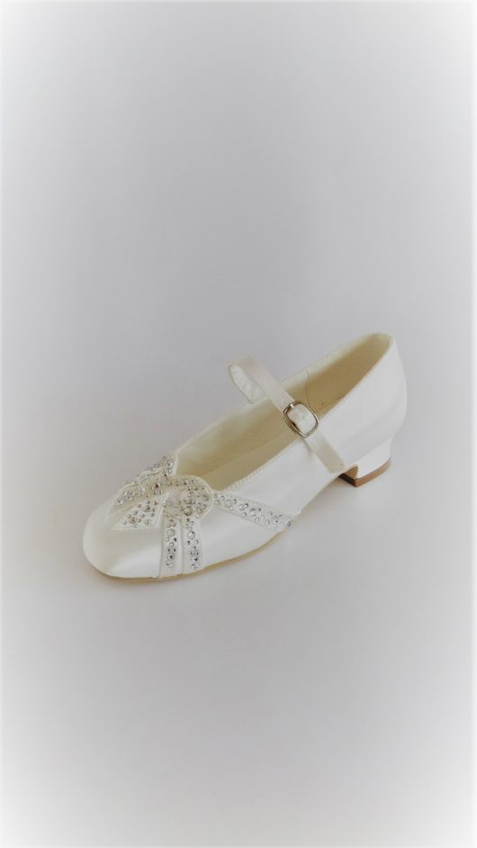 652 children Snow white Satin Shoes